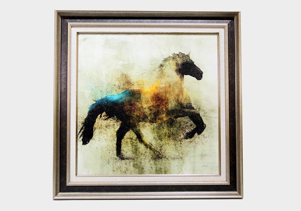 Картина в квадратной раме | Черный слон