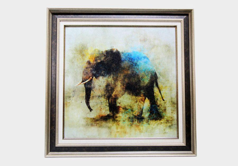 Картина в квадратной раме слон