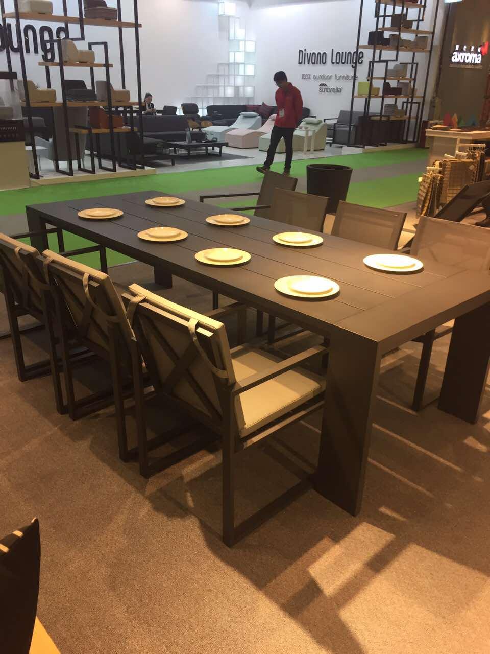 Столовый комплект Linear 8 персон